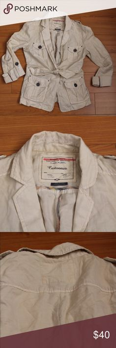 Cartonnier Nepal cargo linen jacket Beige Cartonnier Nepal cargo jacket with front toe from Anthropologie size 0 The back seem has stretched a bit as can be seen in the last photo. I honestly didn't even notice it until I took photos. Anthropologie Jackets & Coats