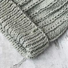 Поделюсь с Вами,как вяжу узор для шапки🤗 Я лишь покажу,как он вяжется,все расчеты индивидуально Вы делаете сами😉 . 1-ый ряд:2 изн.,1… Knit Beanie Pattern, Knitted Hats, Knitting Patterns, Knit Crochet, Elsa, Handmade, Inspiration, Accessories, Mom