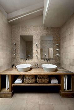 Great Photos Rustic Bathroom cabinets Ideas Some sort of rustic bathroom is often characterised through exciting quirks plus the application of Rustic Bathroom Designs, Rustic Bathroom Vanities, Beige Bathroom, Rustic Bathrooms, Bathroom Interior Design, Master Bathroom, Bathroom Ideas, Bathroom Wall, Half Bathrooms