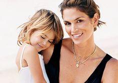 A filha de Cindy Crawford estreia em editorial de moda nas páginas da Teen Vogue de dezembro