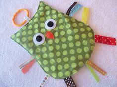 OWL Crinkle Crackle Sensory Owl Taggie Toy. I think I could manage this cuteness. :)