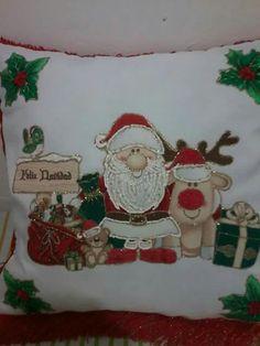 Christmas Crafts, Christmas Decorations, Xmas, Cushions, Pillows, Tree Skirts, Santa, Holidays, Diy And Crafts
