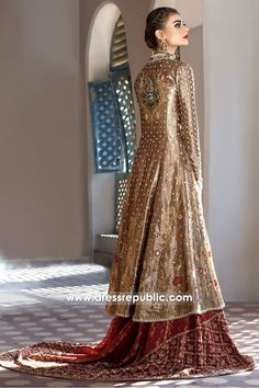 Sania Maskatiya Bridal Dresses 2017 UK Shop Wedding Lehenga Choli at Dress Republic Custom haute couture design solutions available. Bridal Dresses 2017, Pakistani Wedding Dresses, Pakistani Outfits, Bridal Outfits, Indian Dresses, Nikkah Dress, Bridal Gowns, Pakistani Lehenga, Pakistani Couture