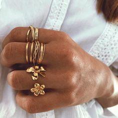 Coin Jewelry, Jewelry Gifts, Jewelery, Craft Jewelry, Gold Jewellery, Bling Bling, Best Jewelry Designers, Designer Jewelry, Best Friend Jewelry