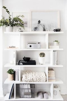 Modern Decoration modern bookshelf decor – Home Office Design For Women Room Ideas Bedroom, Home Decor Bedroom, Bedroom Modern, Diy Bedroom, White Bedroom, Bedroom Designs, Entryway Decor, Office Decor, Queen Bedroom