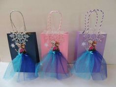 Fiesta Discover This item is unavailable 10 Pieces Frozen Elsa Anna Birthday Tutu by rizastouchofflair I could put these together if you got the stuff to do it. Disney Frozen Party, Frozen Theme, Frozen Birthday Party, Birthday Tutu, Princess Birthday, Princess Party, Girl Birthday, Birthday Parties, Frozen Party Bags