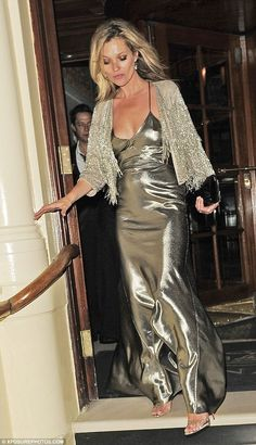 Kate Moss - At her Topshop launch dinner at London's The Connaught Hotel . (April dinner outfit Kate Moss slips into slinky plunging gown as she leaves Topshop launch Gold Satin Dress, Satin Dresses, Silver Dress, Metallic Dress, Kate Moss Stil, Stil Inspiration, Fashion Inspiration, Moss Fashion, Style Fashion