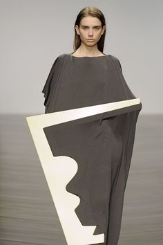 Fashion as Art - #sculptural fashion design with contrasting materials & graphic silhouette // Nayoung Moon