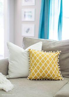 Living room makeover on iheartnaptime.com