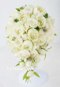 カップ咲きのバラのティアドロップブーケ  ys floral deco   @ペニンシュラホテル東京