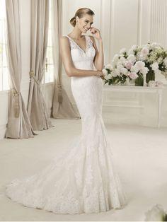 Embroidery Elegent V-neck and V-back Lace Mermaid Wedding Dress