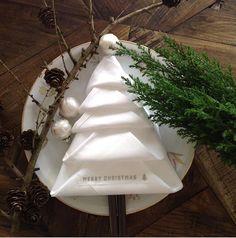 basteln serviettentechnik weihnachten servietten falten weihnachten engel anleitung servietten falten weihnachten stern tannenbaum falten anleitung tannenbaum falten origami servietten falten weihnachten stiefel tannenbaum falten aus papier tannenbaum falten geldschein
