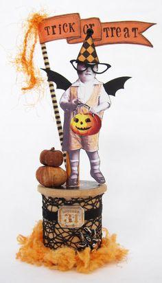 "Halloween Altered Spool ""Little Trick Or Treater"" Halloween Arts And Crafts, Halloween Doll, Halloween Ornaments, Halloween Projects, Diy Halloween Decorations, Halloween Cards, Holidays Halloween, Vintage Halloween, Haunted Halloween"