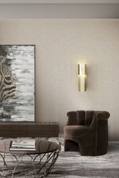 Just like remarkable Vietnam's Phong Nha caves, PHONG Wall Light hides its beauty, only to be revealed when its light is projected. Made in gold plated with a shade in transparent acrylic, this wall sconce will add refined elegance that progressively reveals itself.