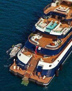yacht entrepreneur dropshipping lifestyle growthacking luxe #yacht minuteassur.com assurance auto moto bateau