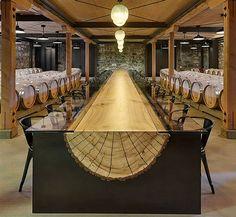 Winery with a very long log table, designed by John H .- Bodega con larguísima mesa de un tronco, diseñada por John Houshmand. Winery with a very long log table, designed by John Houshmand. Into The Woods, Deco Design, Wood Design, Rustic Design, Design Art, Log Furniture, Furniture Design, Unique Furniture, Log Table