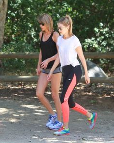 Taylor Swift Photos Photos - Taylor Swift and Gigi Hadid are seen in Los Angeles. - Taylor Swift and Gigi Hadid Out for a Hike