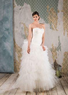 Abito da sposa Delsa, linea Couture 2016 D6825 Tulle e pizzo glitter Colore: Bianco Seta   #delsa #delsa2016 #delsacouture #weddingdresses #bridaldresses #biancoseta #tulle #pizzoglitter