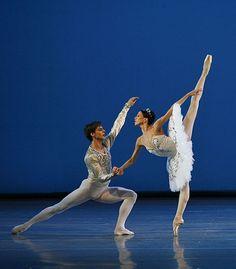 Viktoria Tereshkina & Vladimir Shklyarov in 'Theme and Variations'