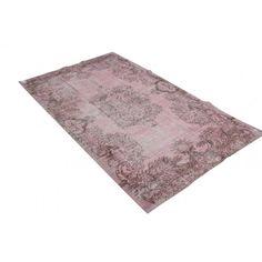 Recoulered Perzisch tapijt oud roze Home Decor, Spring, Decoration Home, Room Decor, Home Interior Design, Home Decoration, Interior Design