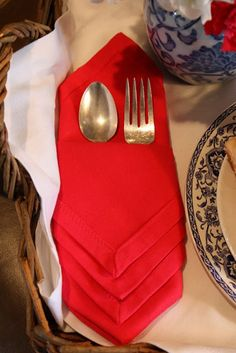 Servilleta de tela con bolsillo para mesa de invitados.