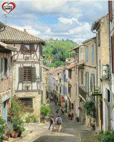 Cordes-sur-Ciel, Occitanie. France