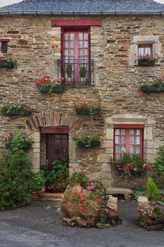 facade8 Malestroit Morbihan France by *hubert61