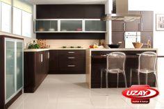 Uzay mutfak modelleri size görsellikten daha fazlasını vaadediyor. Kalitesi ile de son derece tatmin edici olan uzay mutfak aynı zamanda 1 günde teslim sloganıyla çok kısa sürede yeni mutfağınıza kavuşabiliyorsunuz.