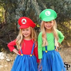 Mario And Luigi Costume, 3 People Halloween Costumes, Diy Girls Costumes, 3 People Costumes, Halloween Dress, Halloween Kids, Halloween Makeup, Halloween Recipe, Halloween Halloween