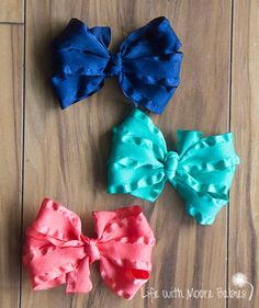 A simple yet adorable Hair Bow or Headband Clip made from Ruffle Ribbon!  This single layer bow consists of 6 loops (3 on each side) of