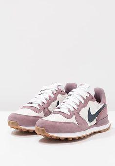 size 40 a1914 0c0b0 Chaussures Nike Sportswear INTERNATIONALIST - Baskets basses - taupe  grey armory navy light orewood