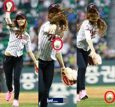 [bnt포토] 시구하는 제시카, 힘껏 던졌는데 그만… / 한국경제 : bnt뉴스 / May 11, 2012 / #Jessica #SNSD