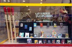 """Escaparatismo en las librerías con motivo de """"Malaga 451. La Noche de los Libros"""" organizado por Centro Cultural la Térmica. * Librería Prometeo"""