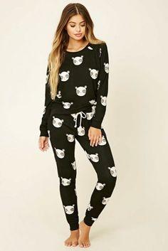 25 Pyjamas pour un confinement tout confort ! Cute Pajama Sets, Cute Pajamas, Girls Pajamas, Cute Lazy Outfits, Stylish Outfits, Fashion Outfits, Cute Sleepwear, Loungewear, Pijamas Women
