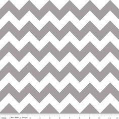 Riley Blake Designs - Flannel Basics - Medium Chevron in Gray