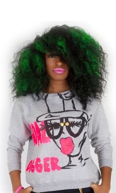 Colored natural hair. Green hair. Green hair color. Natural hair colored green. Green Afro.