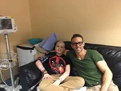 Ryan Reynolds has written a heartfelt note about one of his fans, a 13-year-old boy in Edmonton, who died of cancer this week.