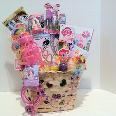 Kids Gift Baskets, Easter Baskets, Kids Art Party, Disney Candy, Candy Bracelet, Candy Lips, Hello Kitty Cake, Puzzle Pieces, My Little Pony