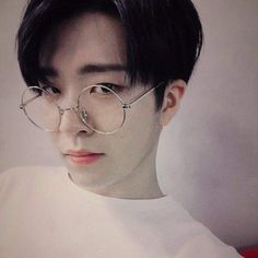 I ❤ Youngjae in glasses cuzz he's so adorable💞 Got7 Youngjae, Got7 Jinyoung, Park Jinyoung, Got7 Jackson, Wang Jackson, Jaebum, Girls Girls Girls, Girlfriend Kpop, Selca
