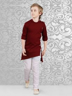 Maroon Layered Kurta is made from Linen fabric. It has side buttons to enhance the attire look. Paired with linen fabric Off white color bottom. Boys Clothes Style, Men Clothes, Kids Clothing, Indian Groom Wear, Indian Wear, Layered Kurta, Kids Kurta, Kurta Pajama Men, Boys Kurta Design