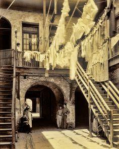Vintage French Quarter courtyard.