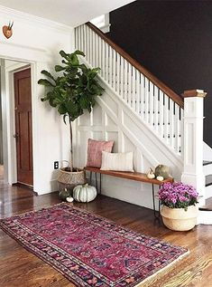 50 Best Rug Living Room Farmhouse Decor Ideas 30 – Home Design Decoration Hall, Front Hall Decor, Hall Way Decor, Basket Decoration, Front Entry, Black Walls, White Walls, White Wood, Brown Walls