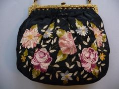 Bag with Cornély embroidery.
