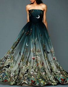 Prom Dresses 2018 Dennis Basso Pre-Fall 2016 Fashion Show Fall Fashion 2016, Fashion Show, Color Fashion, Dress Fashion, Style Fashion, Gothic Fashion, Ladies Fashion, Fashion Trends, Beautiful Gowns