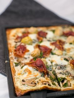 LCHF - Low Carb, Pizza Bianco med spenat och gorgonzola LCHF