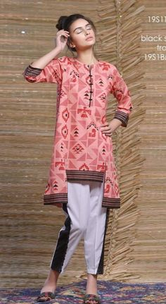 Girls Dresses Sewing, Stylish Dresses For Girls, Stylish Dress Designs, Casual Dresses, Simple Pakistani Dresses, Pakistani Dress Design, Sleeves Designs For Dresses, Dress Neck Designs, Frock Design