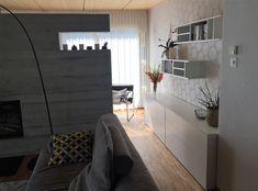 Wohnzimmer mit moderner, schlichter Tapete in beige mit weissen Punkten von raschtextil.de Modern, Environment, Cozy Living, Cosy House, Detached House, Wallpapers, Steel, Living Room, Trendy Tree