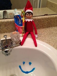 Funny Elf on the Shelf Ideas so that your Elfie looks the Cutest - Hike n D., Funny Elf on the Shelf Ideas so that your Elfie looks the Cutest - Hike n Dip Thinking takes time and you shouldn't waste time think. Christmas Activities, Christmas Traditions, Awesome Elf On The Shelf Ideas, Elf On The Shelf Ideas For Toddlers, Bad Elf, Elf Auf Dem Regal, Elf Magic, Elf On The Self, Naughty Elf