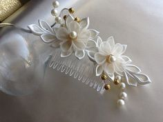 Hair Comb - Ivory Kanzashi Flowers with Ivory Pearls and Gold Beads