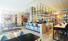 Novotel presenta un nuevo concepto de lobby de hotel, con una nueva distribución de espacios, sin barreras, que facilita un trato más cercano al huésped